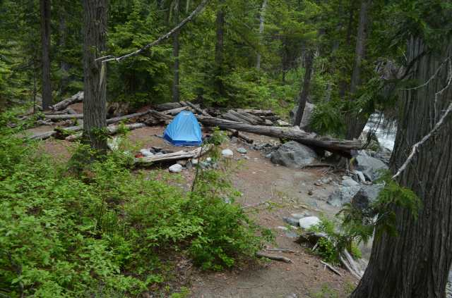 A lovely camp despite the pack-chewing rodents