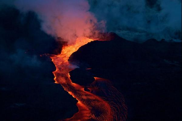 Volcanic-summit-collapse-creates-52-magnitude-shake-in-Hawaii